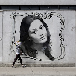Effet Black and White Mural